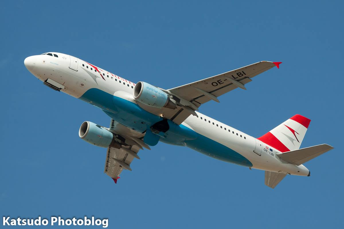 Airbus A.320, Austrian Airlines, Heathrow
