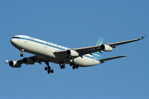 Airbus A.340, Olympic Airways, Paris CDG