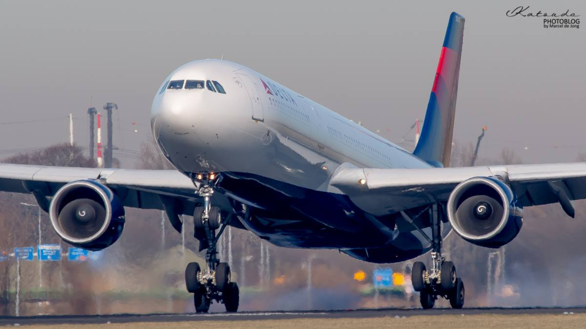 Airbus A.330, Delta Air Lines, Schiphol