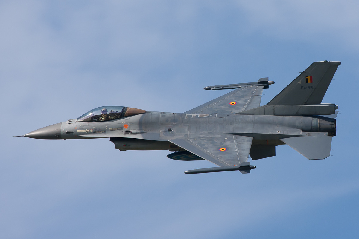 General Dynamics F-16AM Fighting Falcon, BLu, Volkel (2)